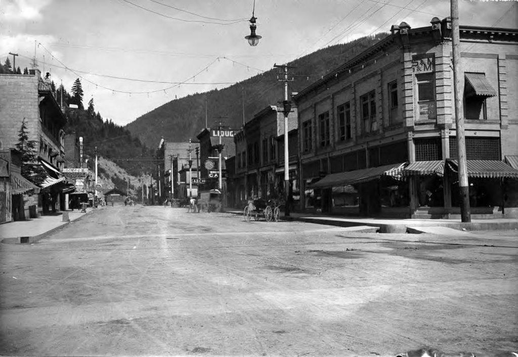 Wallace 1905 Cedar st
