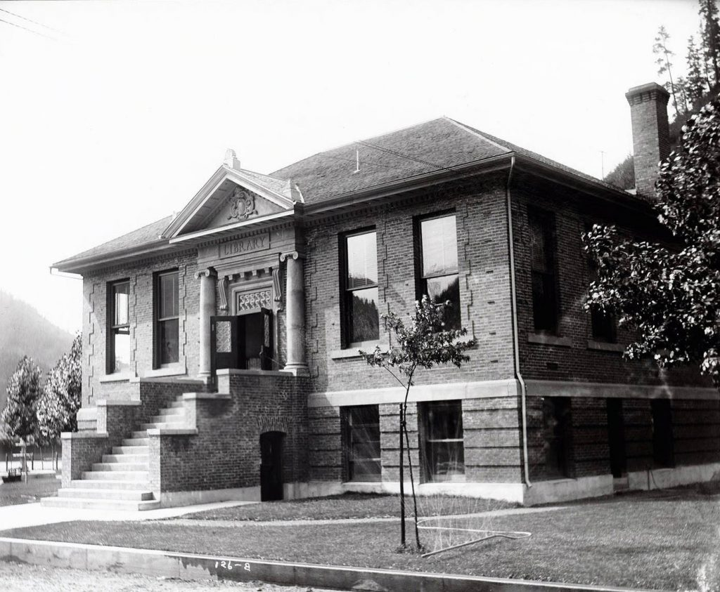 Wallace 1912 Carnegie Library'