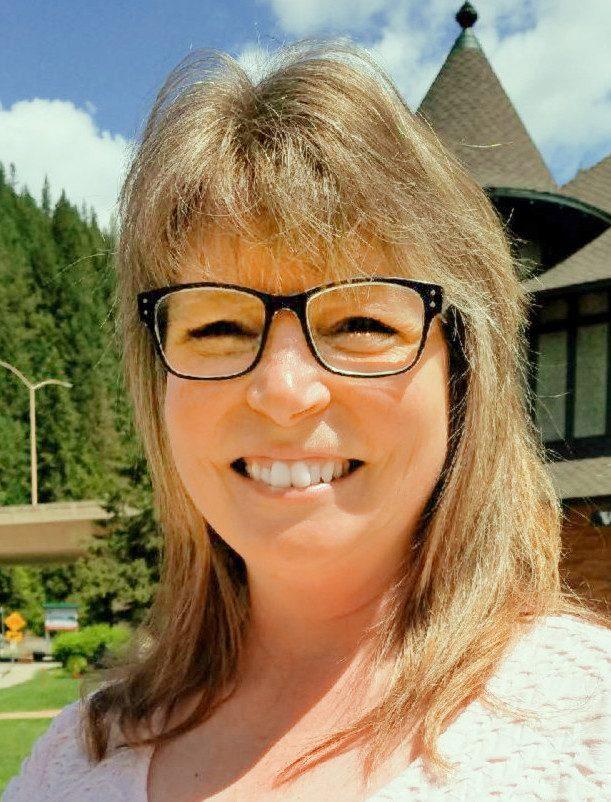 Colleen Rosson : Executive Director